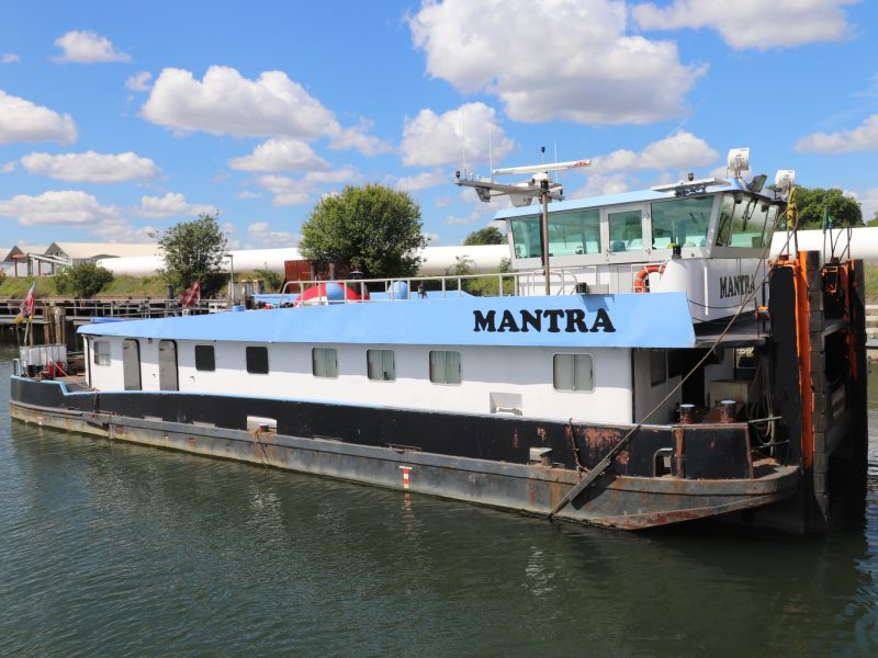 mantra pushboat